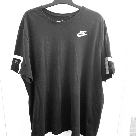 Nike Other - Nike sports activewear T-Shirt